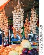 Купить «Овощи на рынке. Белград, Сербия», фото № 25084569, снято 17 марта 2016 г. (c) Охотникова Екатерина *Фототуристы* / Фотобанк Лори