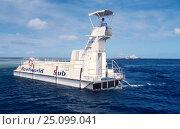 Купить «Semi submarine / glassbottom boat with dive platform. Great barrier reef Australia», фото № 25099041, снято 17 августа 2018 г. (c) Nature Picture Library / Фотобанк Лори