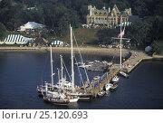 Купить «The New York Yacht Club's (NYYC) clubhouse, Harbour Court, on Newport Harbour, Rhode Island, USA, 1999.», фото № 25120693, снято 23 июля 2018 г. (c) Nature Picture Library / Фотобанк Лори
