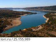 Купить «Sainte Croix lake at the beginning of the Verdon Gorge, Var, Alpes de Haute Provence, Provence, France, November 2007.», фото № 25155989, снято 16 июля 2018 г. (c) Nature Picture Library / Фотобанк Лори