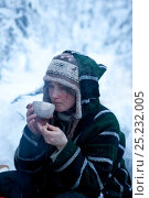 Купить «Woman sitting and drinking outside, Riisitunturi National Park, Lapland, Finland, February. No release available.», фото № 25232005, снято 23 июля 2019 г. (c) Nature Picture Library / Фотобанк Лори