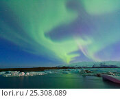 Купить «Northern lights (Aurora Borealis) in sky above Jokulsarlon glacier lagoon. Southern Iceland, Europe, March 2011.», фото № 25308089, снято 23 марта 2019 г. (c) Nature Picture Library / Фотобанк Лори