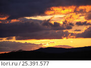 Купить «Sunset sky over Pyreneean mountain ridges along France / Spain border.», фото № 25391577, снято 19 августа 2018 г. (c) Nature Picture Library / Фотобанк Лори