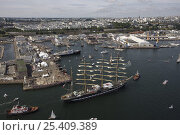 "Купить «Four masted barque ""Kruzenshtern"" entering port, Douarnenez Maritime Festival, France, July 2008», фото № 25409389, снято 6 августа 2020 г. (c) Nature Picture Library / Фотобанк Лори"