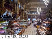 Купить «Интерьер  Елисеевского магазина в Москве», фото № 25435273, снято 17 января 2017 г. (c) Татьяна Белова / Фотобанк Лори