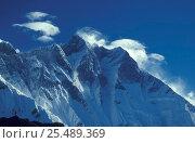 Lhotse ridge, Mt Everest NP, Himalayas, Nepal. Стоковое фото, фотограф Michael Pitts / Nature Picture Library / Фотобанк Лори