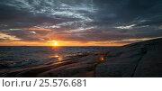 Sunset on stormy Lake Onega in Karelia. Стоковое фото, фотограф Светлана Сухорукова / Фотобанк Лори