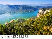 Autumn view of Sau reservoir. Catalonia. Стоковое фото, фотограф Яков Филимонов / Фотобанк Лори