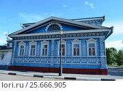 Старинный деревянный дом с резьбой. Стоковое фото, фотограф Наталья Тагирова / Фотобанк Лори