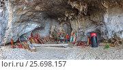 Купить «Фаллосы в пещере Принцессы (Princess Cave or Phra Nang Nok Cave). Королевство Таиланд, провинция Краби, пляж Прананг (Phranang Cave Beach) на полуострове Рейли», фото № 25698157, снято 31 января 2017 г. (c) Владимир Сергеев / Фотобанк Лори