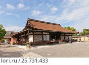 Зал Основателя (Миэйдо, 1390 г.) храма Тодзи в Киото. Национальное сокровище Японии и объект ЮНЕСКО (2016 год). Редакционное фото, фотограф Иван Марчук / Фотобанк Лори