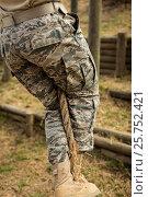 Купить «Military soldier training rope climbing», фото № 25752421, снято 24 ноября 2016 г. (c) Wavebreak Media / Фотобанк Лори