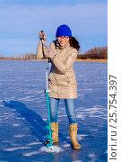 Купить «У лунки», фото № 25754397, снято 27 ноября 2011 г. (c) Хайрятдинов Ринат / Фотобанк Лори
