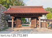 Купить «Реконструированные ворота замка Тояма (основан в 1543), г. Тояма, Япония», фото № 25772881, снято 31 июля 2016 г. (c) Иван Марчук / Фотобанк Лори