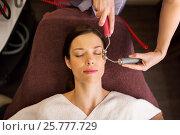 Купить «woman having hydradermie facial treatment in spa», фото № 25777729, снято 26 января 2017 г. (c) Syda Productions / Фотобанк Лори