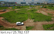 IZHEVSK, RUSSIA - JUNE 22, 2014: Aerial view Kia Sorento at offroad test drive. Редакционное видео, видеограф Илья Насакин / Фотобанк Лори