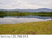 Купить «Озеро на плато Путорана», фото № 25788913, снято 26 июля 2015 г. (c) Сергей Дрозд / Фотобанк Лори