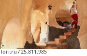 Купить «Hang Nga Guesthouse Crazy House, design Interior and Exterior landmark architecture Odd House», видеоролик № 25811985, снято 1 октября 2016 г. (c) Mikhail Davidovich / Фотобанк Лори