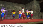 Купить «Khmer classical dancers Apsara Dance Cambodia», видеоролик № 25812369, снято 18 ноября 2016 г. (c) Михаил Коханчиков / Фотобанк Лори