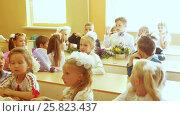 Купить «First lesson in first grade», видеоролик № 25823437, снято 1 сентября 2016 г. (c) Потийко Сергей / Фотобанк Лори