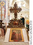 Купить «Икона с изображением Лота, поливающего триединое древо, в монастыре Святого Креста в Иерусалиме», эксклюзивное фото № 25823513, снято 16 мая 2014 г. (c) Александр Гаценко / Фотобанк Лори
