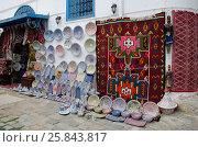 Лавка ковров и сувениров в Тунисе (2016 год). Стоковое фото, фотограф Татьяна Никитина / Фотобанк Лори