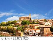 Купить «Вид на средневековый городок МонтальчиноЮ Тоскана, Италия», фото № 25872925, снято 13 мая 2014 г. (c) Наталья Волкова / Фотобанк Лори