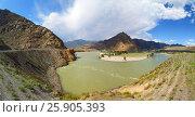 Купить «Bending of Katun River in Altai Mountains», фото № 25905393, снято 12 июня 2015 г. (c) Михаил Коханчиков / Фотобанк Лори