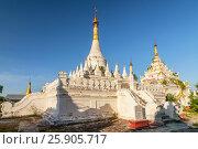 Maha Aung Mye Bom San Monastery complex, Inwa, Mandalay Region, Burma. Стоковое фото, агентство BE&W Photo / Фотобанк Лори