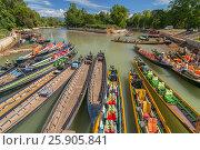 Купить «Boats waiting for tourists, Nyaung Shwe, Inle lake, Shan state, Myanmar», фото № 25905841, снято 16 января 2019 г. (c) BE&W Photo / Фотобанк Лори