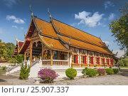 Купить «Thai northern style temple of Wat Chedi Liam in Chiang Mai Thailand», фото № 25907337, снято 9 декабря 2018 г. (c) BE&W Photo / Фотобанк Лори