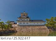 Купить «Реконструированный в 1954 г. донжон (главная башня) замка Тояма, Тояма, Япония», фото № 25922617, снято 5 августа 2016 г. (c) Иван Марчук / Фотобанк Лори