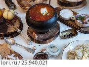 Купить «Russian borsch at pot», фото № 25940021, снято 2 февраля 2017 г. (c) Jan Jack Russo Media / Фотобанк Лори
