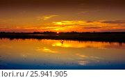Закат на берегу реки. Стоковое фото, фотограф Игорь Шалагин / Фотобанк Лори