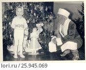 1962. Новый год в детском саду 2 ОТЗ. Петрозаводск. Редакционное фото, фотограф Сергей Костин / Фотобанк Лори