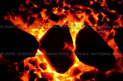 Купить «Фон из горящего угля мелкой фракции и уложенной ровно крупной», фото № 25955813, снято 10 апреля 2017 г. (c) Игорь Кутателадзе / Фотобанк Лори
