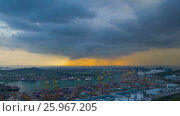 Купить «Dramatic Singapore cityscape rotation panoramic timelapse», видеоролик № 25967205, снято 23 марта 2019 г. (c) Кирилл Трифонов / Фотобанк Лори
