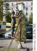 Купить «Statue of lamplighter in Tbilisi, Georgia», фото № 25976765, снято 25 сентября 2016 г. (c) Elena Odareeva / Фотобанк Лори