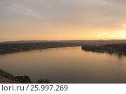 Вид с высокого берега реки на Белград (Сербия) на закате, фото № 25997269, снято 6 ноября 2016 г. (c) Иванова Анастасия / Фотобанк Лори
