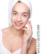 Beautiful girl with towel on her head. Стоковое фото, фотограф Tatjana Romanova / Фотобанк Лори