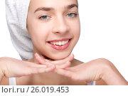 Beautiful girl with towel on her head, фото № 26019453, снято 24 марта 2012 г. (c) Tatjana Romanova / Фотобанк Лори