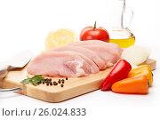 Raw turkey meat fillet and vegetables. Стоковое фото, фотограф Мельников Дмитрий / Фотобанк Лори