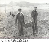 Купить «1980-е годы. Военнослужащие на уборке картошки», фото № 26025625, снято 23 августа 2019 г. (c) Retro / Фотобанк Лори