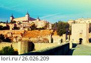 Купить «View of Alcazar of Toledo from Puente of Alcantara», фото № 26026209, снято 23 августа 2013 г. (c) Яков Филимонов / Фотобанк Лори