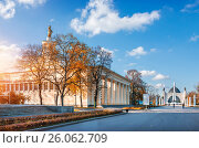 Купить «Pavilion of the Republic of Belarus on the territory of VDNH in Moscow on a clear sunny autumn day», фото № 26062709, снято 24 октября 2016 г. (c) Baturina Yuliya / Фотобанк Лори