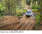 Купить «Toyota 4Runner SUV on a trail», фото № 26074413, снято 19 июня 2018 г. (c) easy Fotostock / Фотобанк Лори
