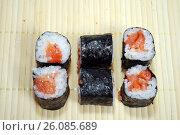 Купить «Японская кухня. Сяке маки», фото № 26085689, снято 21 февраля 2017 г. (c) Глазков Владимир / Фотобанк Лори
