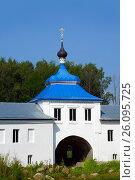 Купить «Николо-Бабаевский монастырь в поселке Некрасовское, Ярославская область», фото № 26095725, снято 29 июля 2016 г. (c) ElenArt / Фотобанк Лори