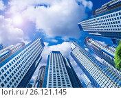 Купить «Sky in circle of buildings», фото № 26121145, снято 20 августа 2018 г. (c) Яков Филимонов / Фотобанк Лори