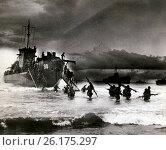 Купить «France: June, 1944 Allied soldiers and medics carrying stretchers wade ashore after disembarking from transport vessels along the French coast.», фото № 26175297, снято 30 апреля 2017 г. (c) age Fotostock / Фотобанк Лори